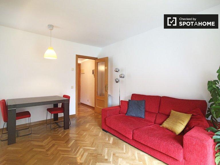 Elegancki 1-pokojowy apartament do wynajęcia w Acacias, Madryt