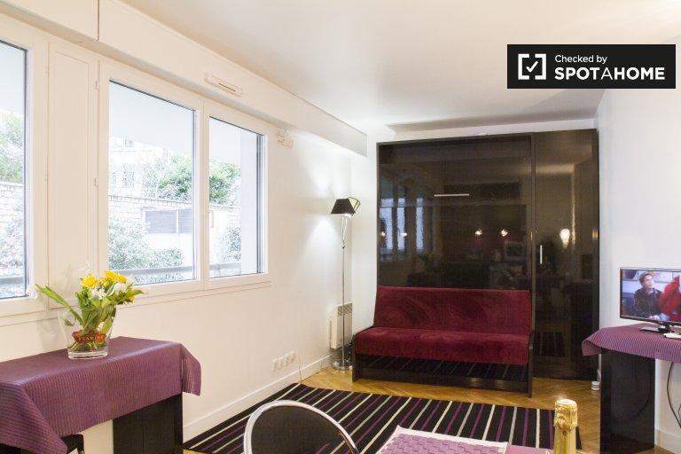 Nice studio apartment for rent in 15th arrondissement, Paris