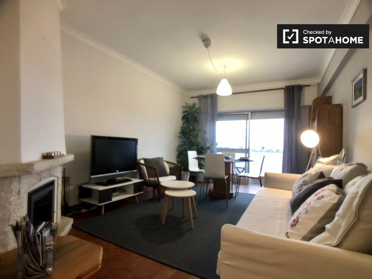 Espaçoso apartamento de 2 quartos para alugar em Cascais, Lisboa