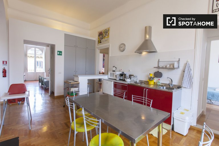 Skurrile 5-Zimmer-Wohnung in Termini zu vermieten