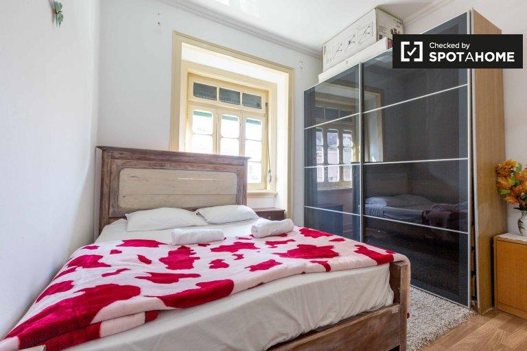 Łóżka do wynajęcia we wspólnym pokoju, 1-pokojowe mieszkanie w Lisboa