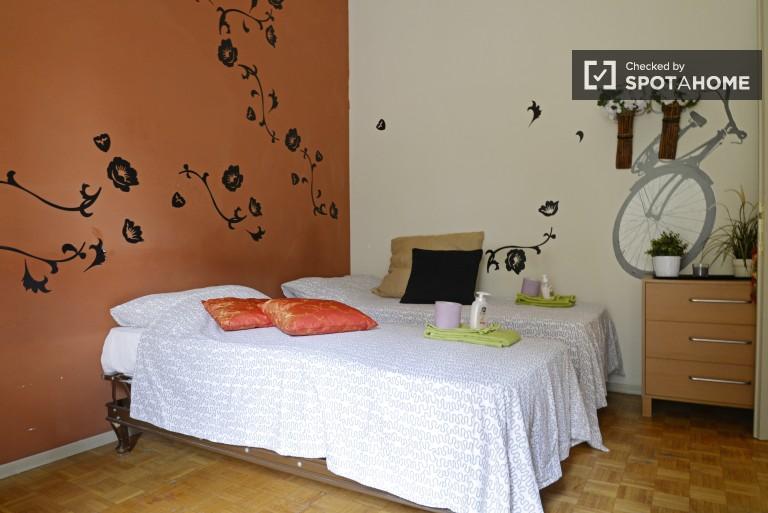 Habitación interior en apartamento en Vigentino, Milán