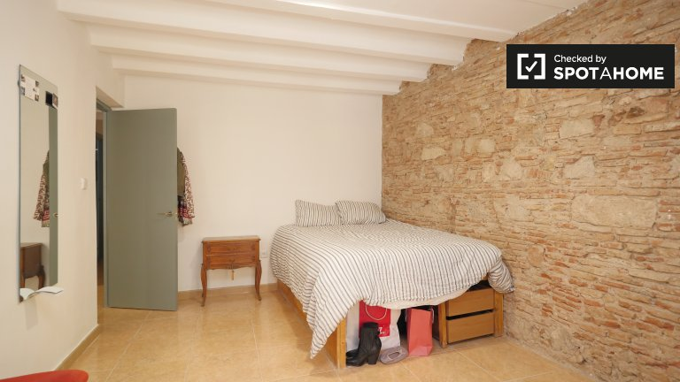 Chambre élégante dans un appartement de 5 chambres à El Raval, Barcelone