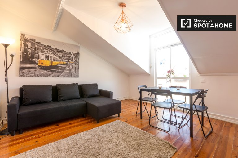 2-bedroom apartment for rent in Misericórdia, Lisbon