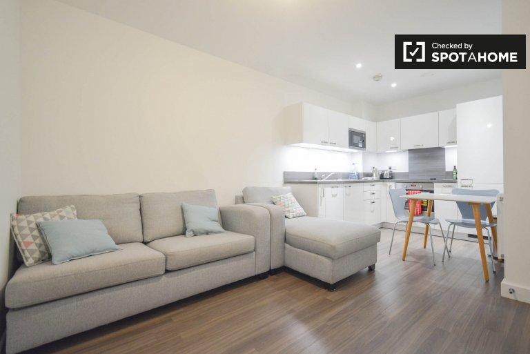 Habitación soleada para alquilar en apartamento de 2 dormitorios en Lewisham