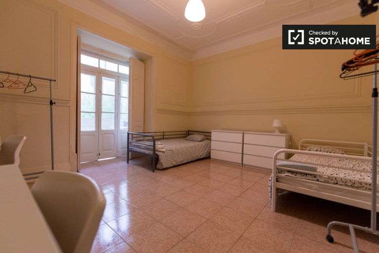 Room in 6-bedroom apartment in Avenidas Novas, Lisboa