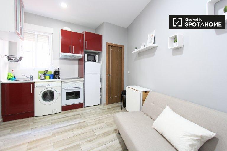 2-pokojowe mieszkanie do wynajęcia w Tetuán, Madryt