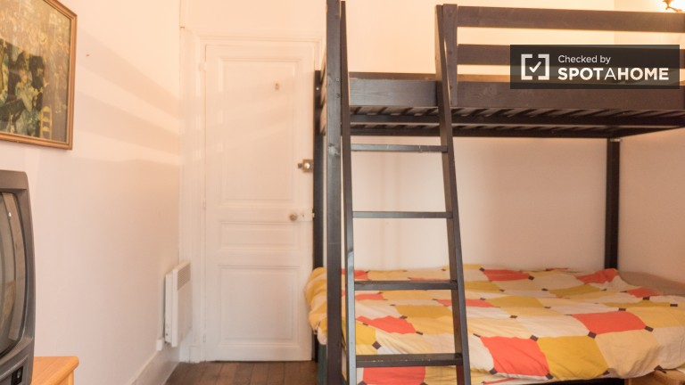 Bedroom 2, couple friendly with bunk bed and desk