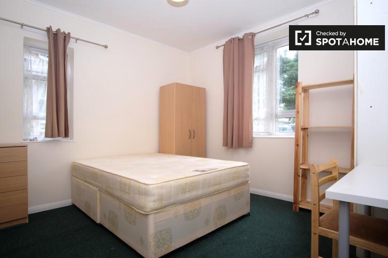 Grande chambre dans un appartement partagé à Fulham, Londres