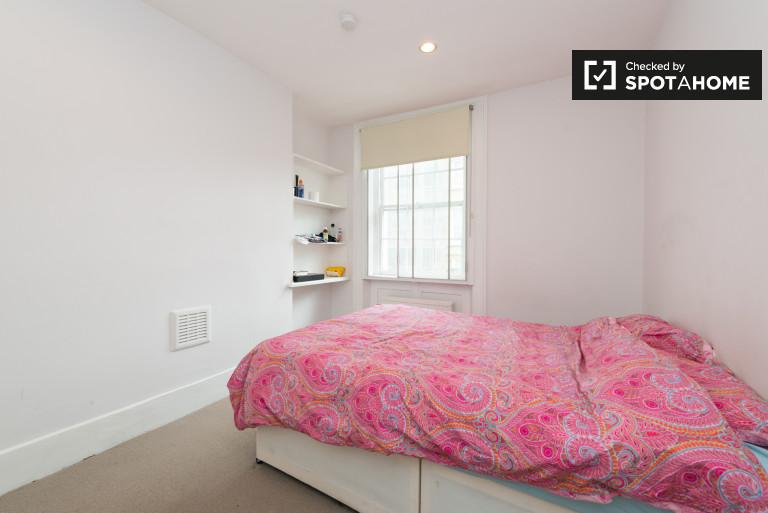 Bedroom Black - double bed