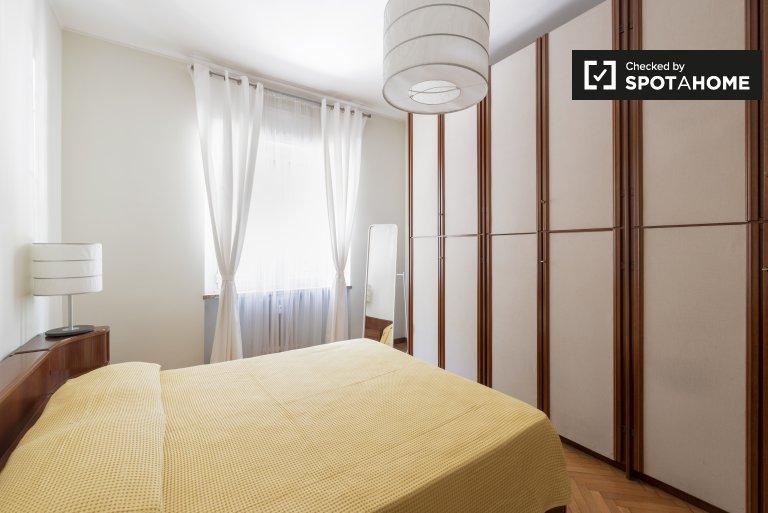 Przytulna sypialnia do wynajęcia w 3-pokojowym mieszkaniu w De Angeli