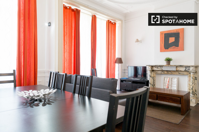 Beautiful spacious 3-bedroom apartment for rent in Brussels
