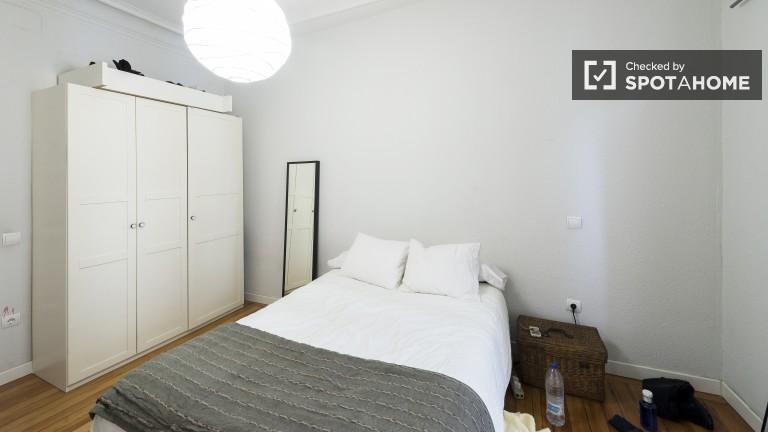 Exterior double bedroom with balcony