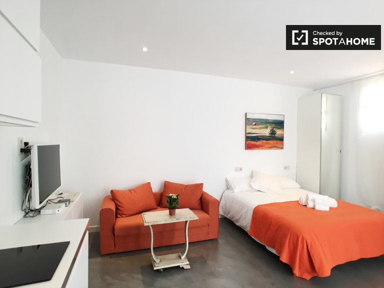 Modernes Studio-Apartment zur Miete in Chueca, Madrid