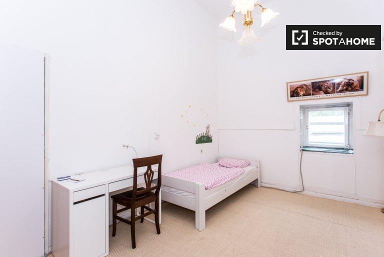Chambre à louer dans appartement avec 3 chambres à Lichterfelde