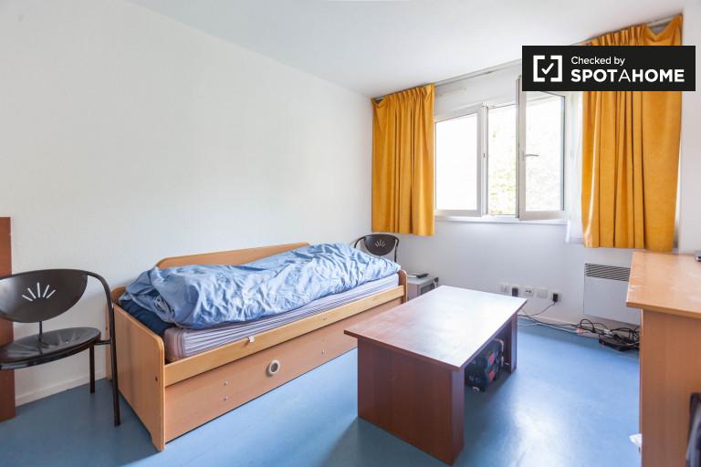 Crisp studio apartment for rent - Paris, 20th arrondissement