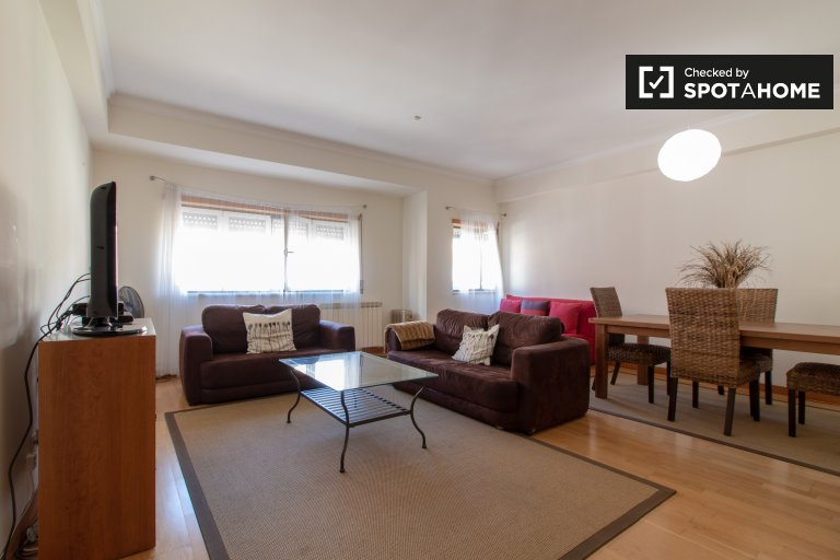 Spacious 2-bedroom apartment for rent in Marvila, Lisboa