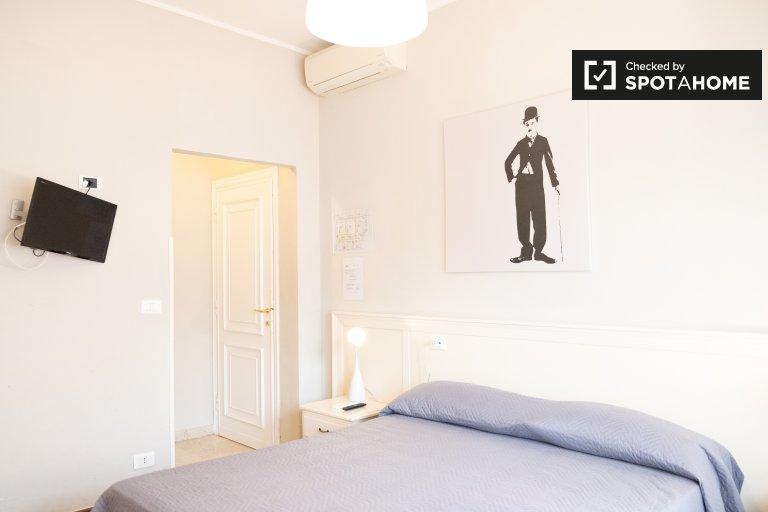 Spaziosa camera in affitto in appartamento con 3 camere da letto a Aurelio