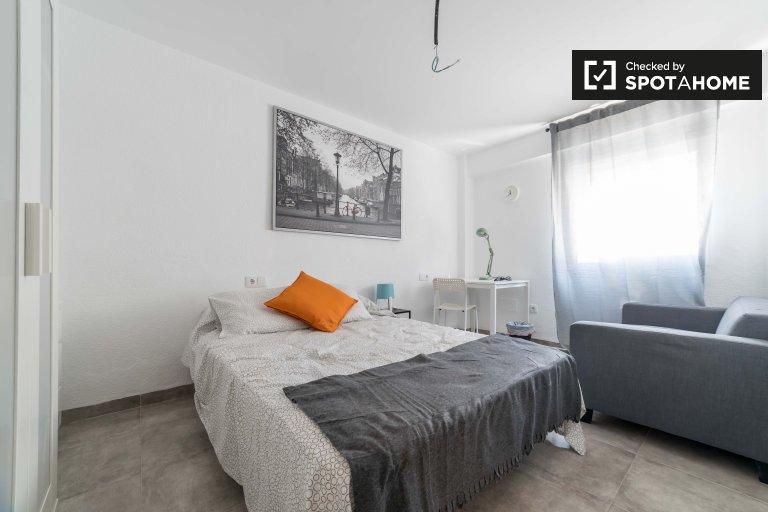 Chambre confortable à louer, appartement de 4 chambres à Rascanya, Valence
