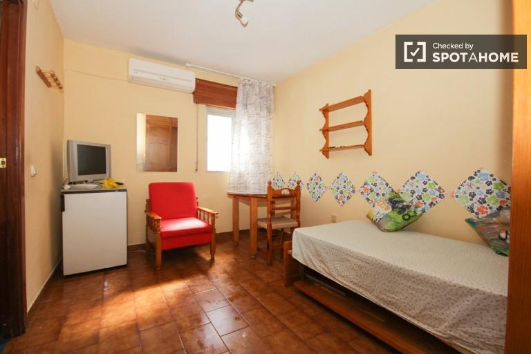 Große gemietete Wohnung im Stadtzentrum von Granada