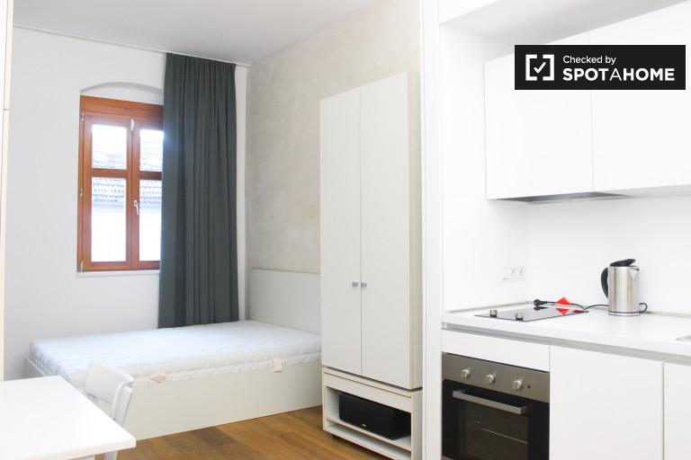 Studio appartement à louer dans le quartier branché Freidrichshain, Berlin
