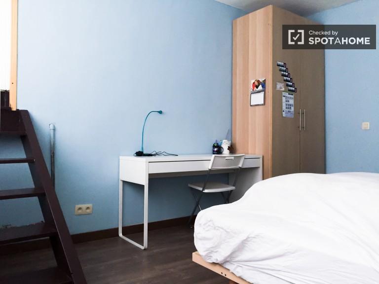 Bedroom 1 with en-sutie