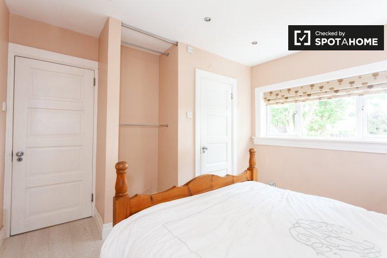 Quarto para alugar em casa de 4 quartos em Clontarf, Dublin