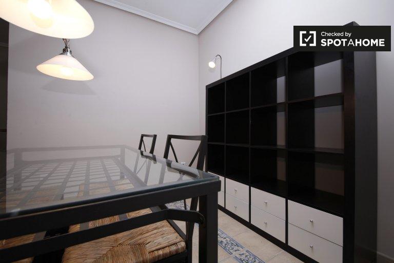 Stylowy 2-pokojowy apartament do wynajęcia w Salamance w Madrycie