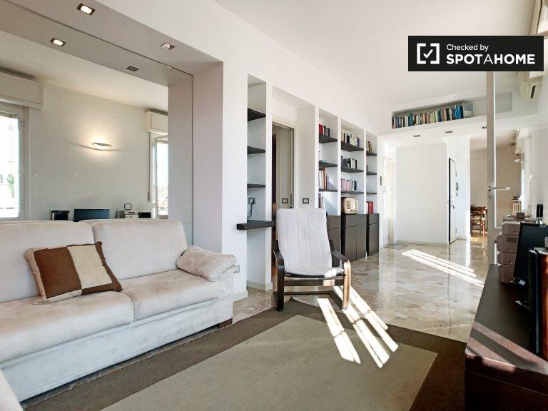 Amplio apartamento de 2 dormitorios en alquiler en Pasteur / Rovereto