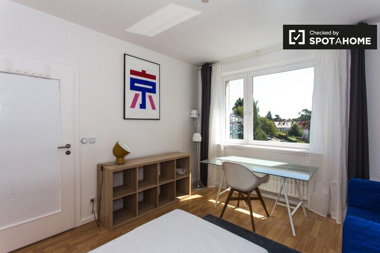 Pokój do wynajęcia w apartamencie z 4 sypialniami w Treptow