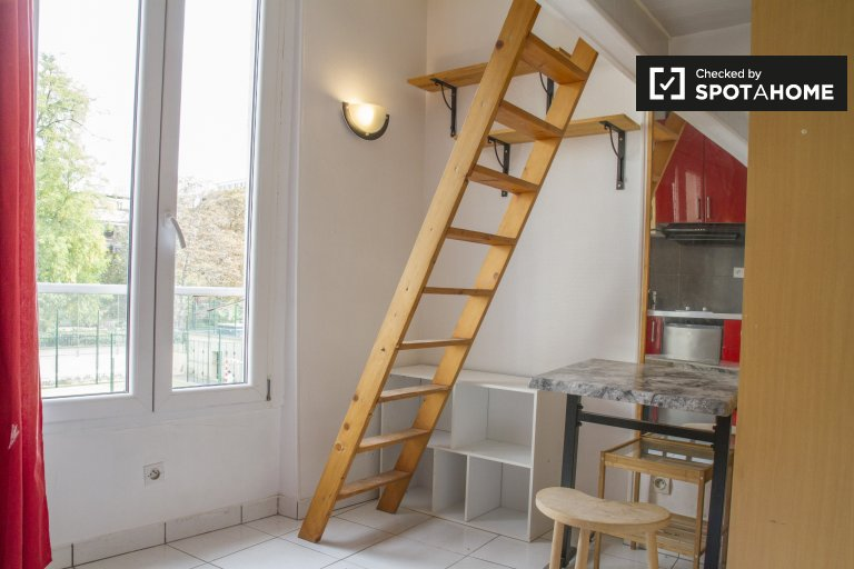 Cozy studio apartment with loft for rent in Paris 11, near metro