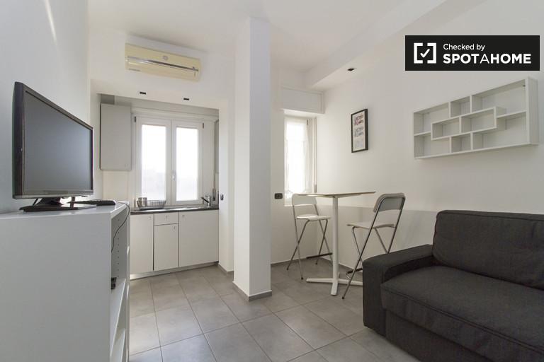 Studio-Wohnung mit Balkon zu vermieten in Lorenteggio, Mailand
