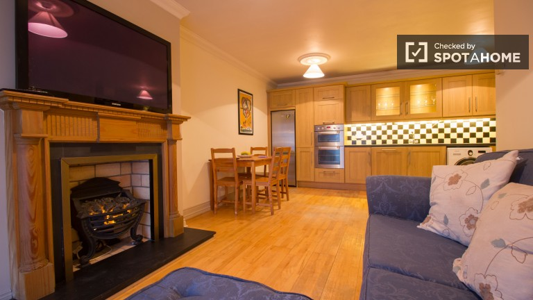Spacious 2 Bedroom Apartment for Rent with Balcony in Dublin. 2 Bedroom Apartment With Utilities Included in Dublin  ref  97143