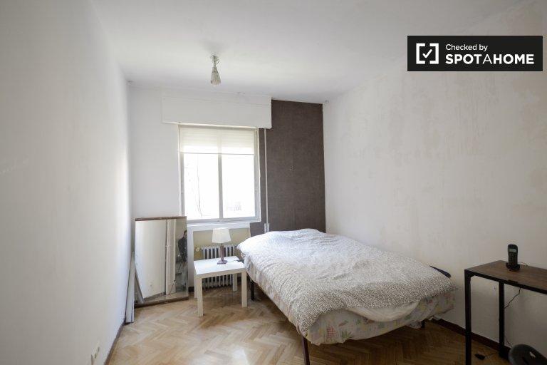 Pokój z miejscem do przechowywania w apartamencie z 2 sypialniami w Tetuán, Madryt