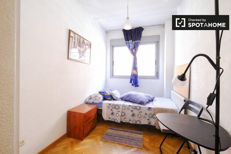 Chambre lumineuse à louer à San Blas, Madrid