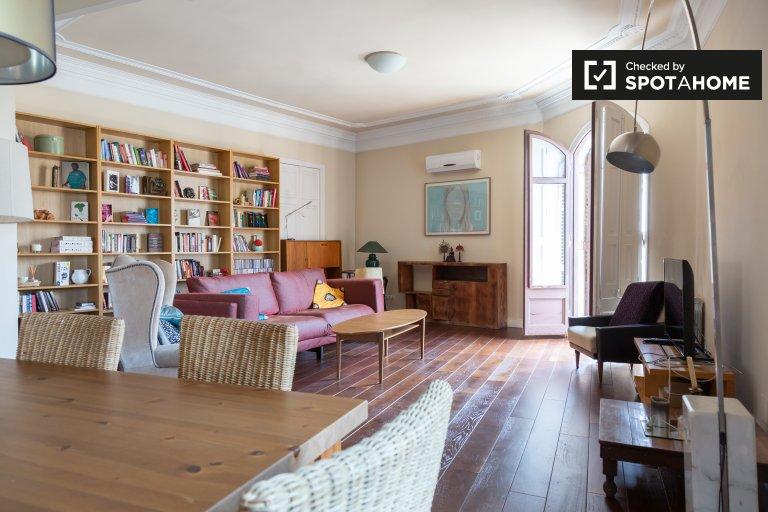 Przestronny apartament z 4 sypialniami do wynajęcia w El Born, Barcelona