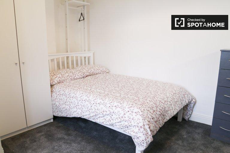Sunny studio to rent in Drumbonda, Dublin