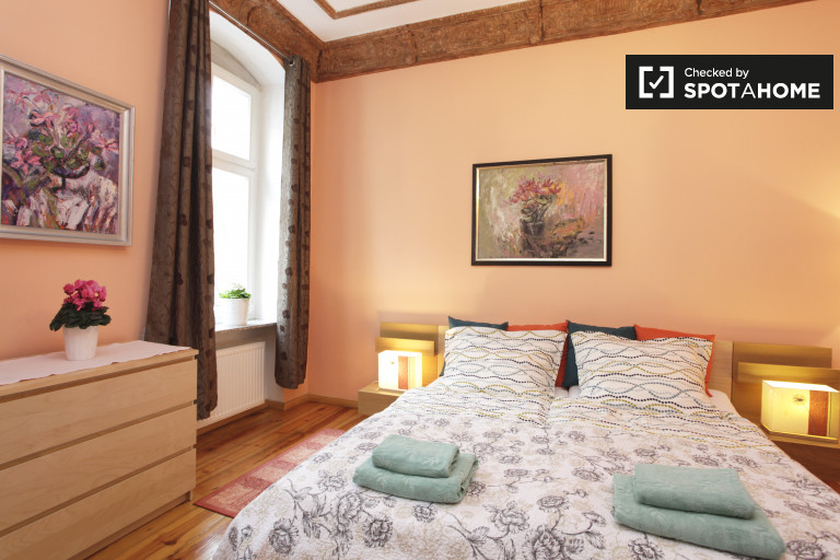 Furnished 3-bedroom apartment for rent in Moabit, Berlin