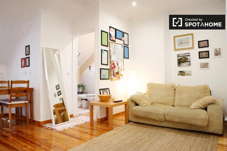 Sunny 2-bedroom apartment for rent in Penha de Franca