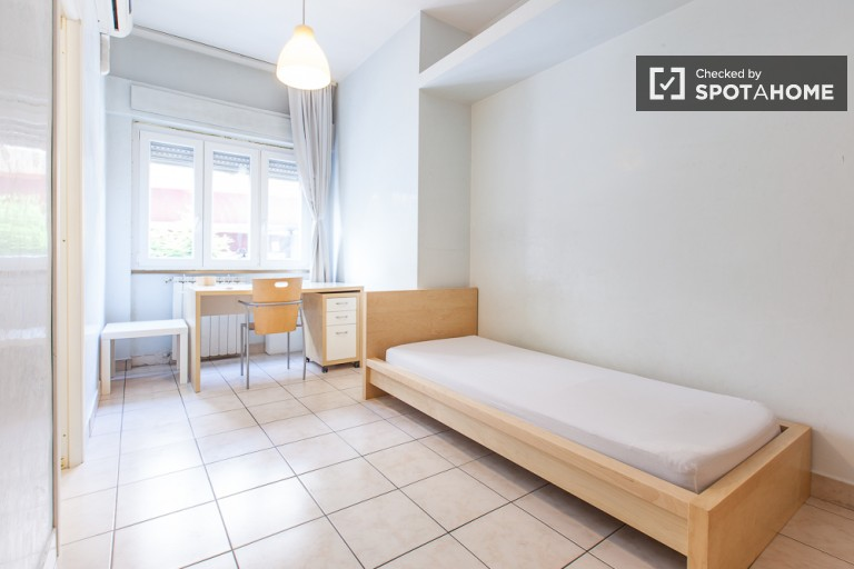 Bedroom 1 - large single