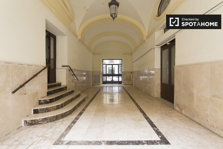Beautiful 3-bedroom apartment for rent in Centro, Madrid