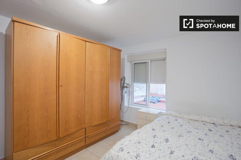 Chambre confortable dans un appartement de 4 chambres à Alameda, Séville