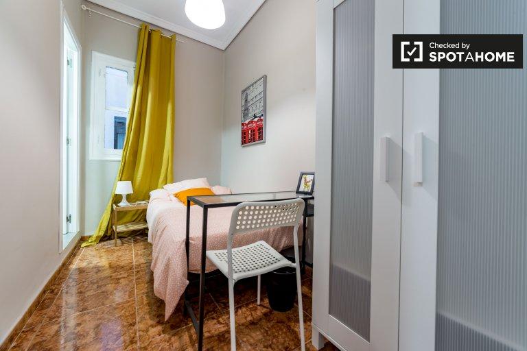 Gemütliches Zimmer in einer 6-Zimmer-Wohnung in Extramurs, Valencia