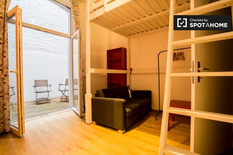 Chambre privative dans un appartement à Saint Gilles, Bruxelles