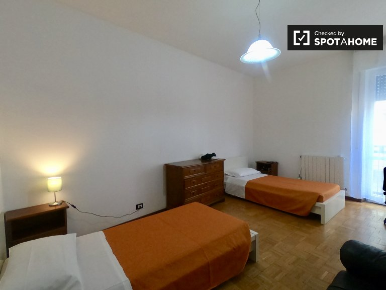Beds for rent in shared room in 5-bedroom apartment in Sarpi