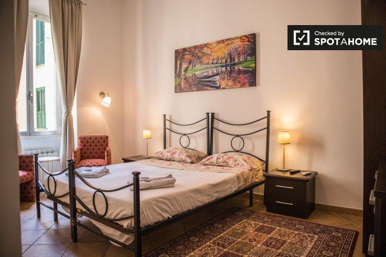 Luminosa stanza in affitto nel Rione XVII Sallustiano, Roma