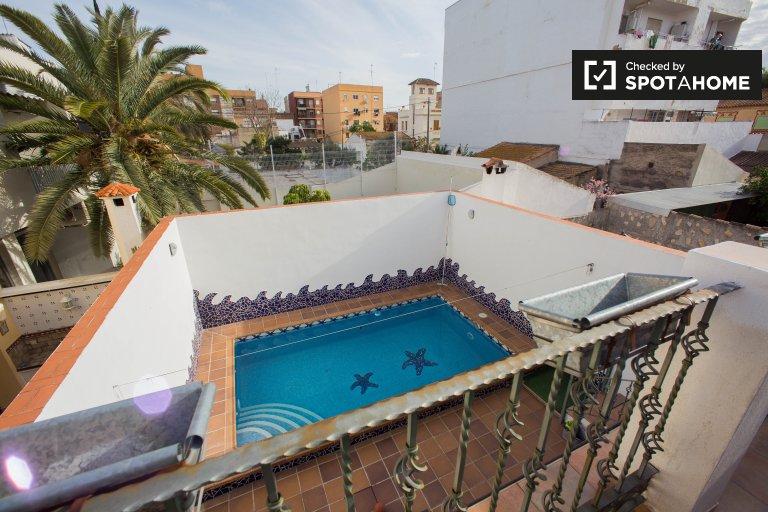 4-pokojowe mieszkanie do wynajęcia w Benimamet w Walencji