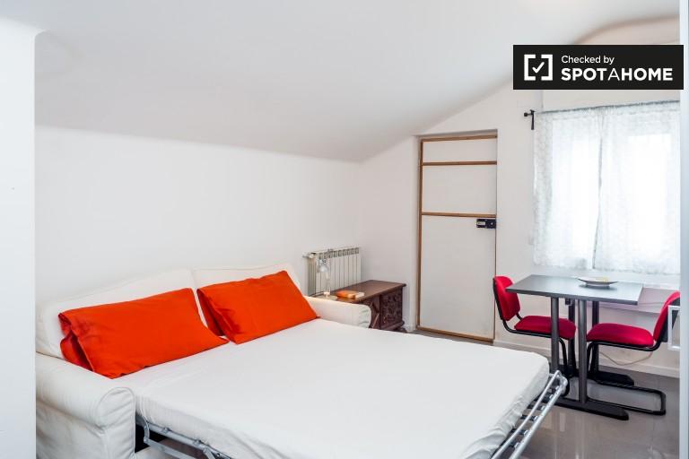 Studio-Wohnung mit Terrasse zur Miete in Cantalupa, Mailand