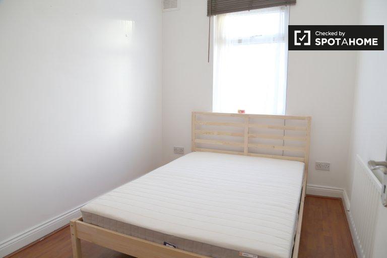 Komfortables Zimmer in einem Haus mit 5 Schlafzimmern in Drimnagh, Dublin