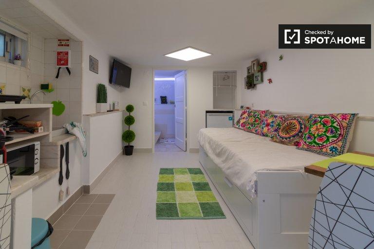 Charmantes Studio-Apartment zur Miete in Carcavelos, Lissabon